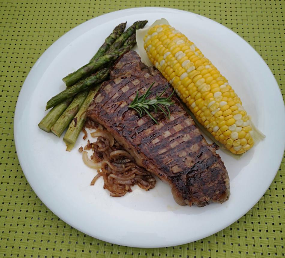 Eat steak with dentures