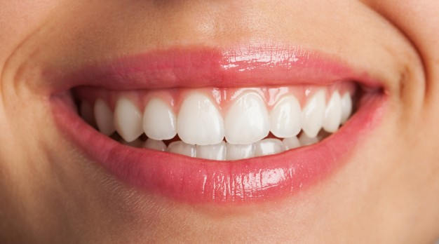 A perfect smile with dentures